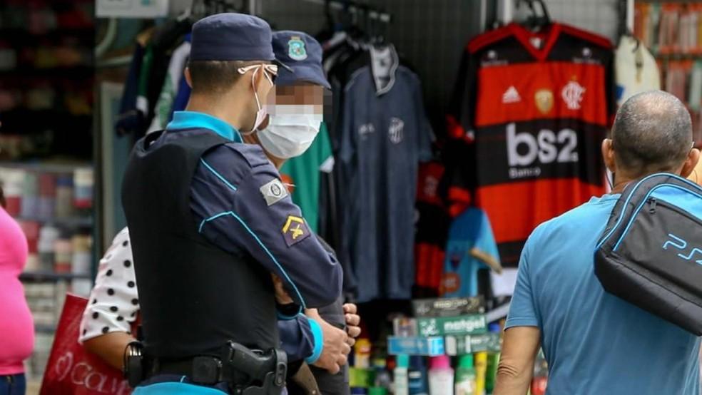 Decreto de isolamento em vigor no Ceará desde março proíbe abertura de serviços não essenciais — Foto: Helene Santos/SVM