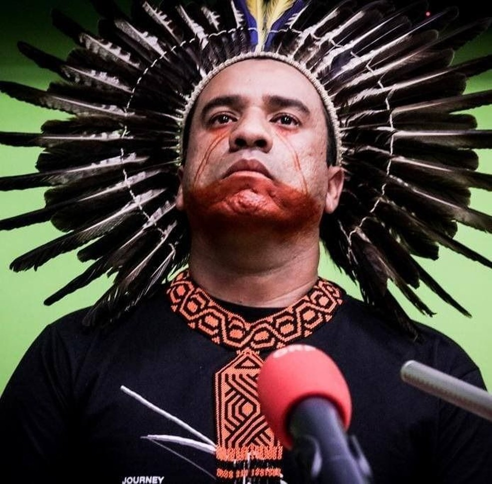 Dinamam Afer, da Apib, afirma que o acesso dos indígenas à internet nunca foi uma preocupação dos governantes — Foto: Mídia Índia/BBC
