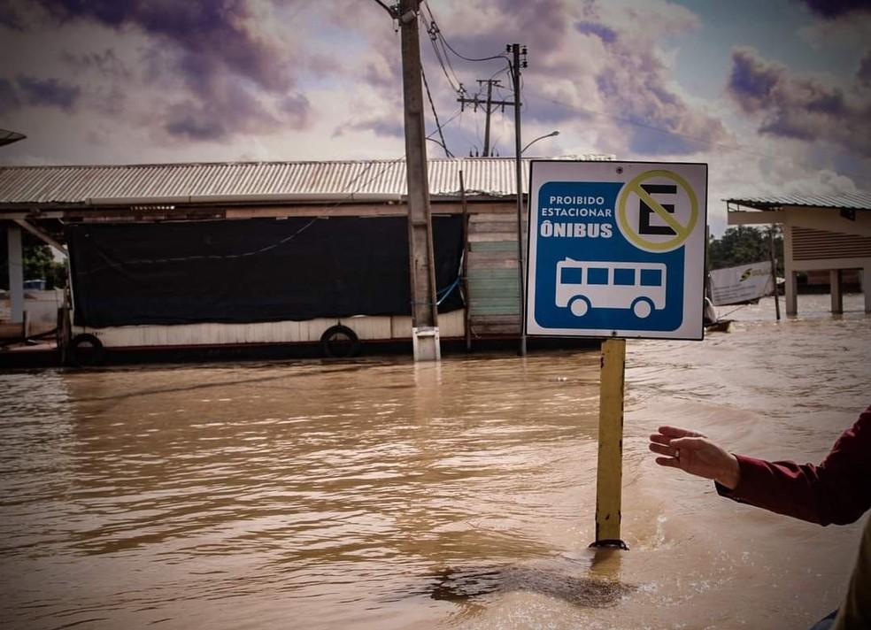 Com 3,2 mil pessoas atingidas pela enchente de rio, Feijó declara situação de emergência  — Foto: Juan Diaz/Arquivo pessoal