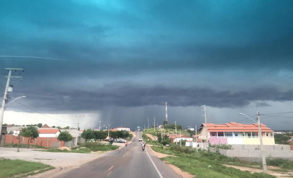 Ceará recebe boas chuvas nestes últimos dias do mês de março. (Foto: Ilo Santiago Júnior/Arquivo Pessoal)