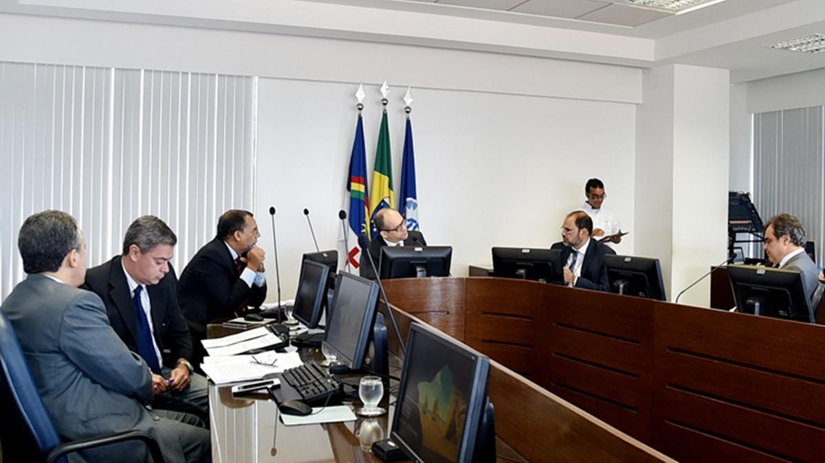 Prefeito de Santa Maria do Cambucá é multado por irregularidades, diz TCE