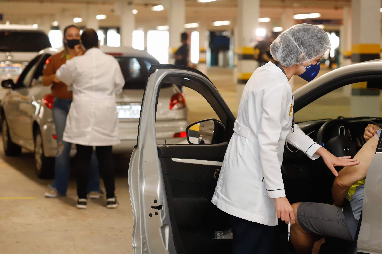 Vacinação contra a Covid segue no fim de semana em Porto Alegre; veja os locais