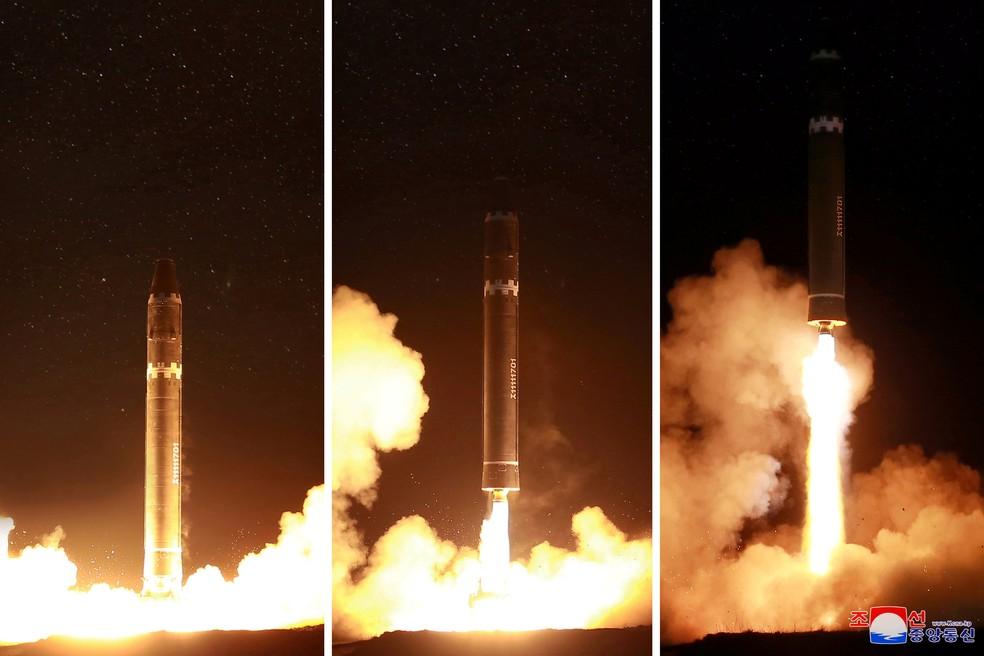 Imagens divulgadas nesta quarta-feira (29) mostram o lançamento do míssil Hwasong-15 pela Coreia do Norte (Foto: REUTERS/KCNA)