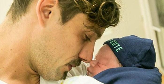 Rafael Cardoso e o filho, Valentim (Foto: Reprodução Instagram)