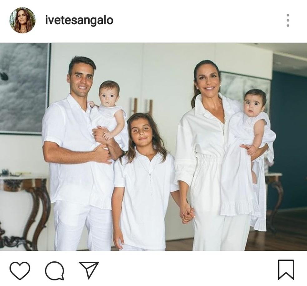 Ivete Sangalo no batizado das gêmeas — Foto: Reprodução