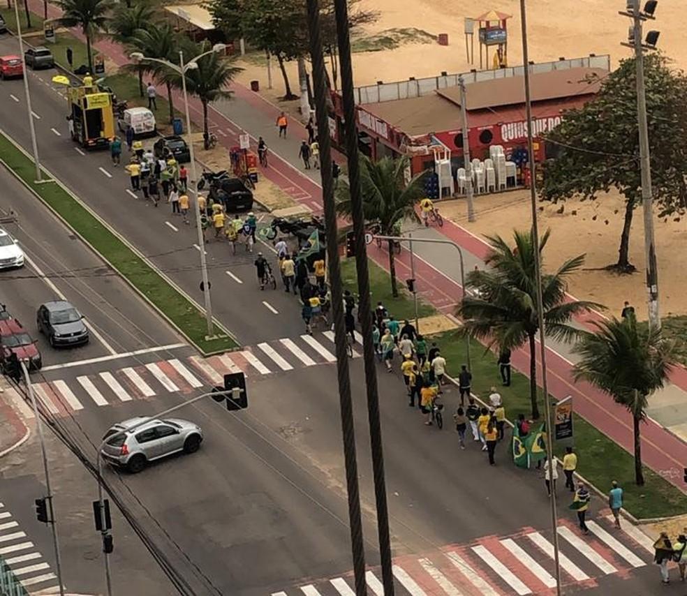 Protesto a favor da Lava Jato em Vila Velha — Foto: Viviane Belo/VC no ES1