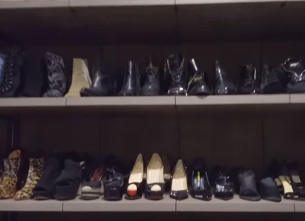 Dani Souza mostra closet (Foto: Reprodução)