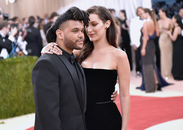 Bella Hadid e The Weeknd (Foto: Mike Coppola/Getty Images)