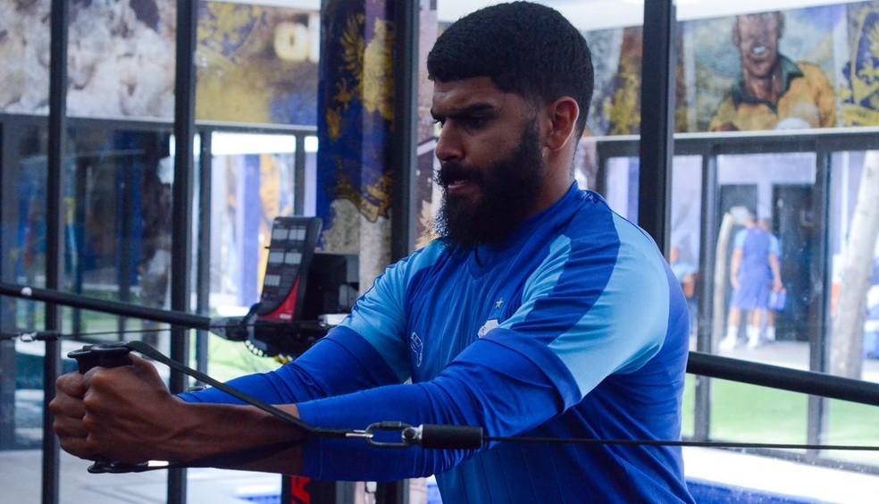 Zagueiro Rodolfo Filemen segue no CSA para a temporada 2021 — Foto: Augusto Oliveira/CSA