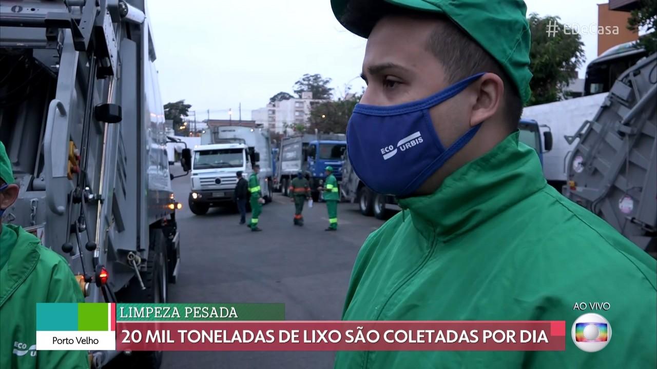 Coletores de lixo mantém São Paulo limpa