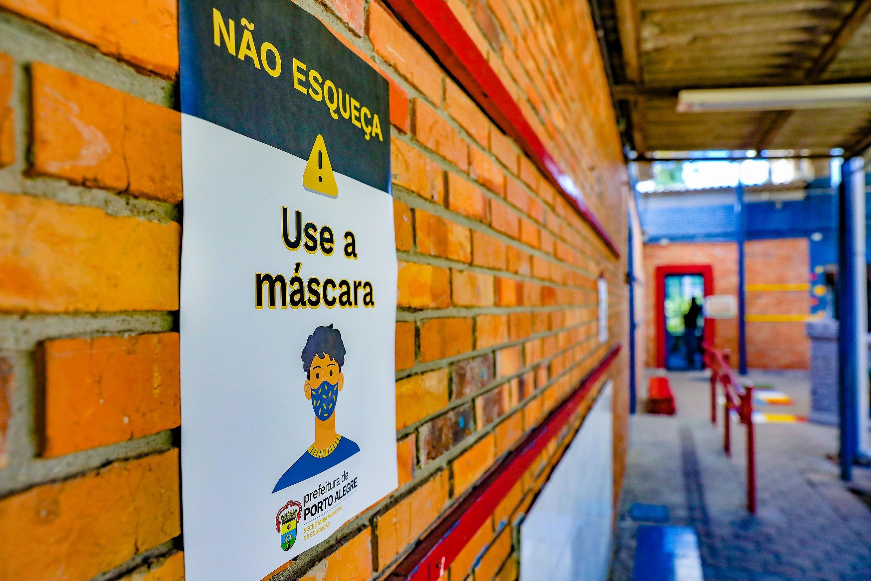 Escolas municipais reabrem para retorno de alunos do 3º ao 5º ano em Porto Alegre, diz prefeitura