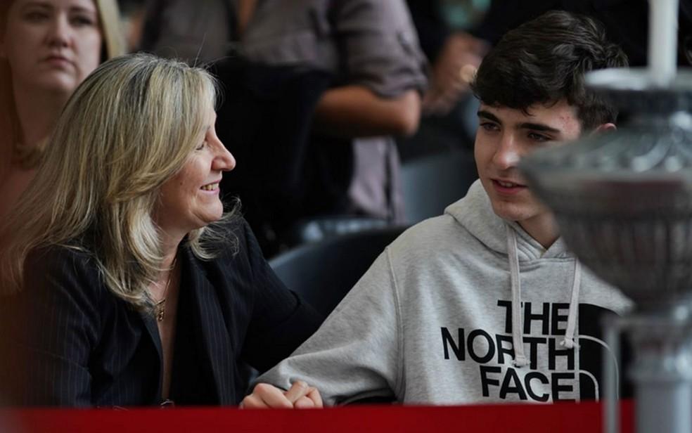 João Augusto Liberato, filho de Gugu, no velório do apresentador — Foto: Marcelo Brandt/G1