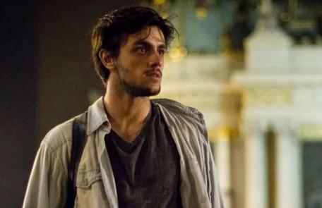 Na quinta-feira (23),Jonatas(Felipe Simas) revela a Eliza que Dino está no Rio de Janeiro TV Globo