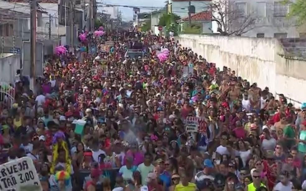 Bloco carnavalesco em Aracaju — Foto: Reprodução/TV Sergipe/Arquivo