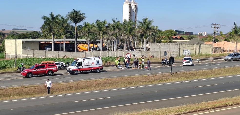 Motociclistas ficam feridos após acidente na Rodovia Cornélio Pires em Cerquilho (SP) — Foto: Celso Lima/Tietê News