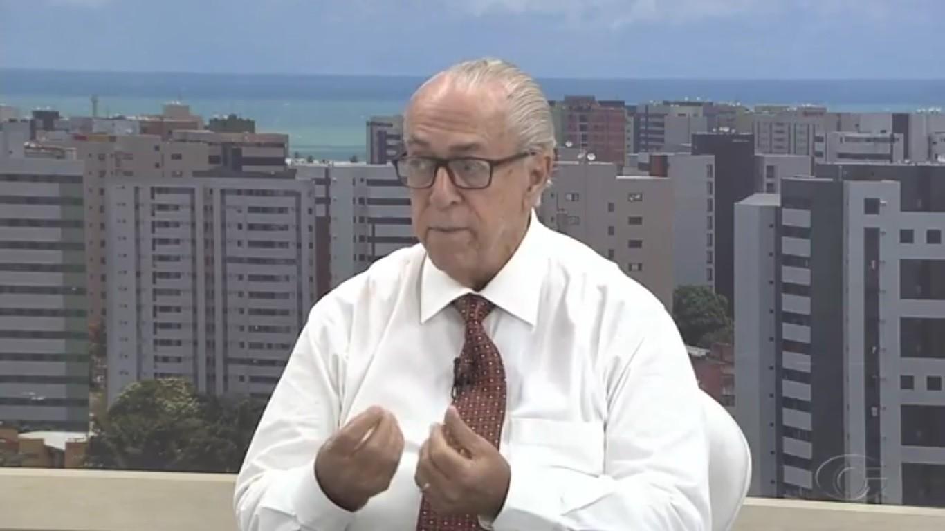 Após anunciar aposentadoria, pediatra Milton Hênio recebe reconhecimento na Câmara de Maceió