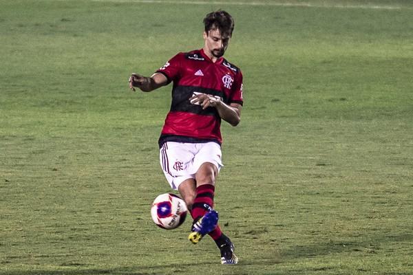Recuperado, Rodrigo Caio passa no teste em sua volta ao Flamengo: Me sinto 100