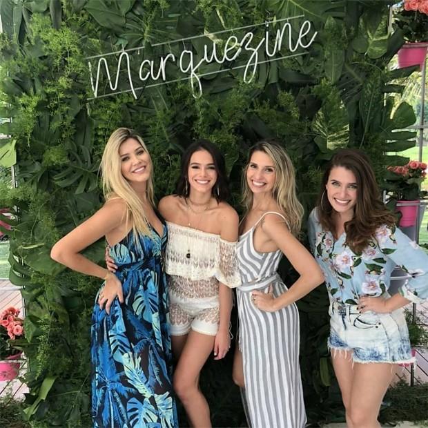 Bruna Marquezine e amigas (Foto: Reprodução/Instagram)