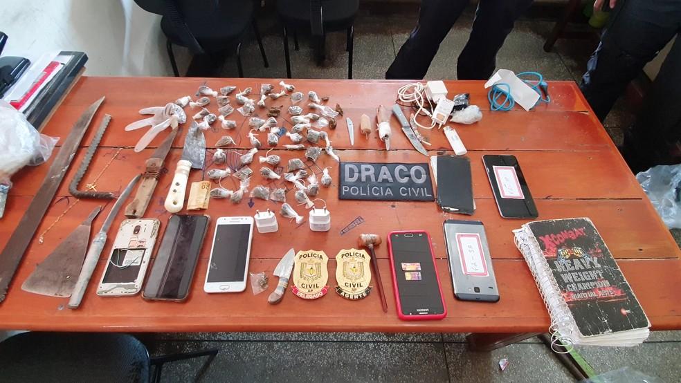 Material apreendido vai subsidiar investigações— Foto: Polícia Civil/Divulgação