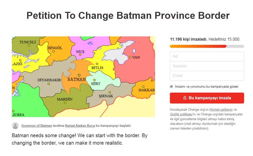 Petição pede que Batman, na Turquia, tenha formato do super-herói (Foto: Reprodução/Internet)