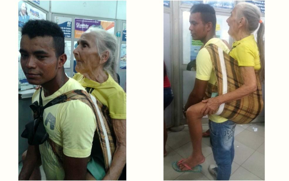 Parente carrega idosa nas costas para ir à lotérica em Rio Branco (Foto: Conceição Benício/Arquivo pessoal)