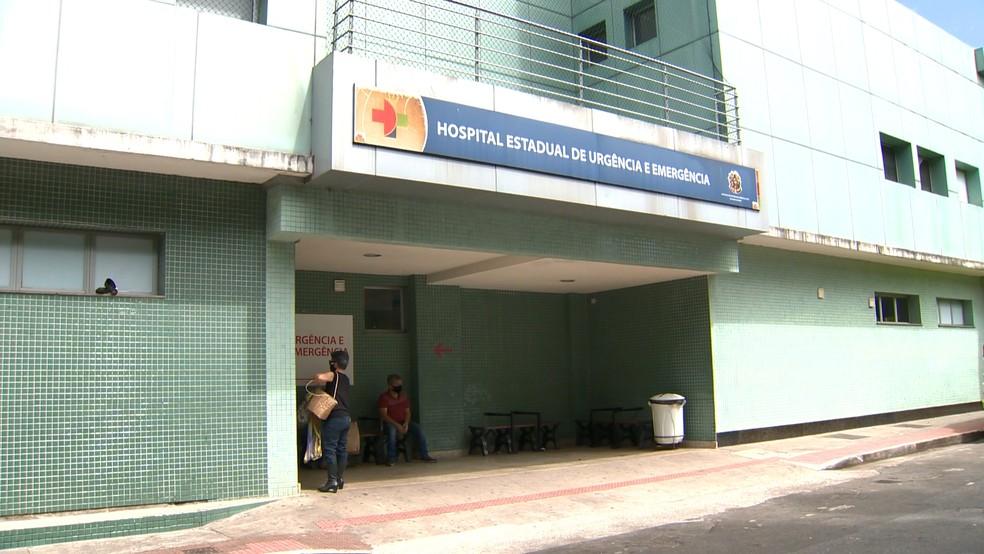Suspeito ferido chegou a ser levado para o Hospital Estadual de Urgência e Emergência — Foto: Reprodução/TV Gazeta