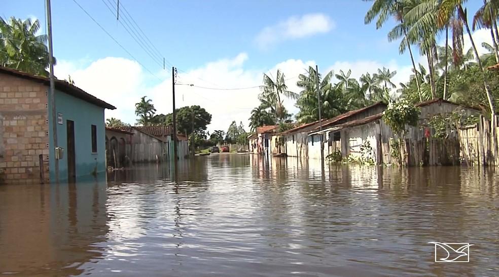 Mais de 200 pessoas estão desabrigadas em Boa Vista do Gurupi  — Foto: Reprodução/ TV Mirante