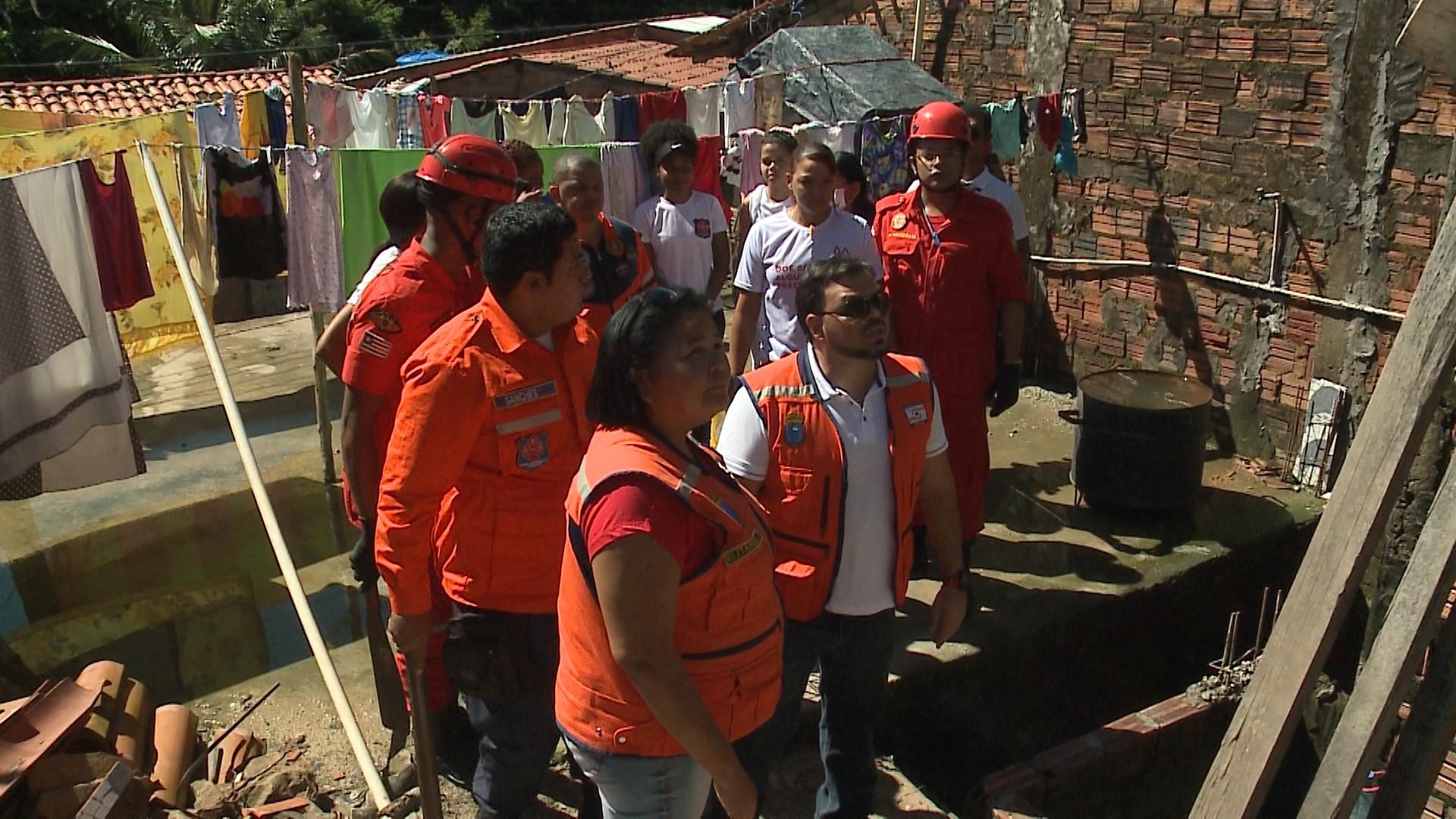 Após chuvas, Defesa Civil faz operação em áreas de risco em São Luís