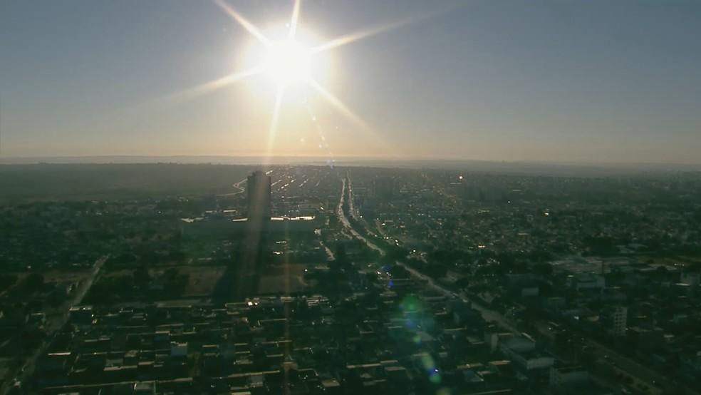 Amanhecer ensolarado no Distrito Federal, nesta terça-feira (20) — Foto: TV Globo/Reprodução