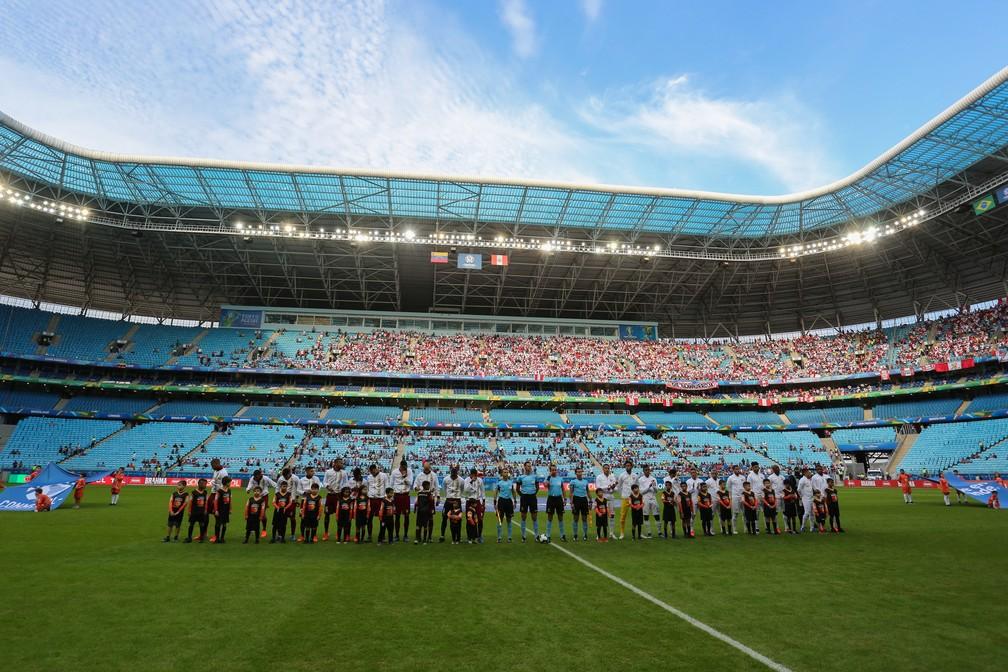 Peru x Venezuela na Arena do Grêmio, com menos de um quinto de sua capacidade máxima — Foto: Richard Ducker/CA2019