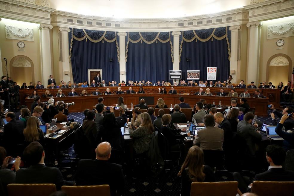 Comitê Judiciário da Câmara vota artigos de impeachment de Trump — Foto: Reuters/Patrick Sernansky