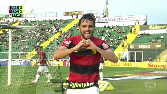 """Depois de gol de centroavante, Norberto brinca com passado na base: """"Não desaprendi"""""""