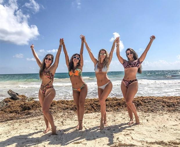 Anitta com amigas (Foto: Reprodução/Instagram)