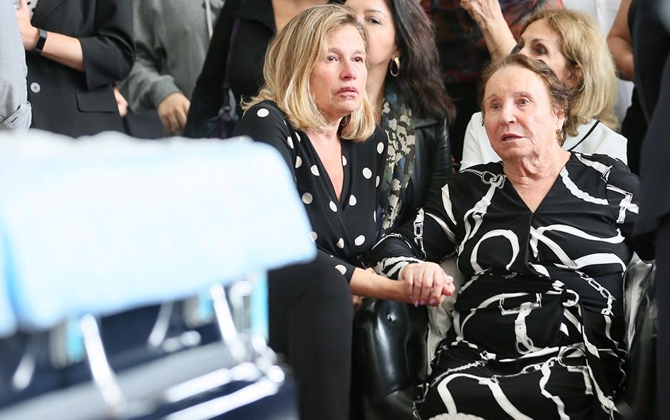 Aparecida Liberato e Maria do Céu Moraes, irmã e mãe do apresentador (Foto: Manuela Scarpa e Marcos Ribas/Brazil News)