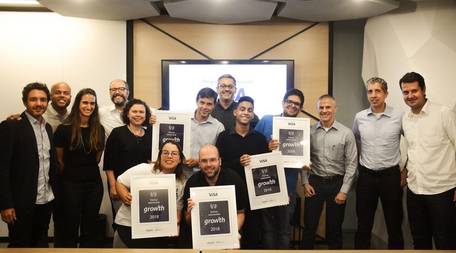 Representantes das cinco startups selecionadas para o programa de aceleração da Visa (Foto: Divulgação)