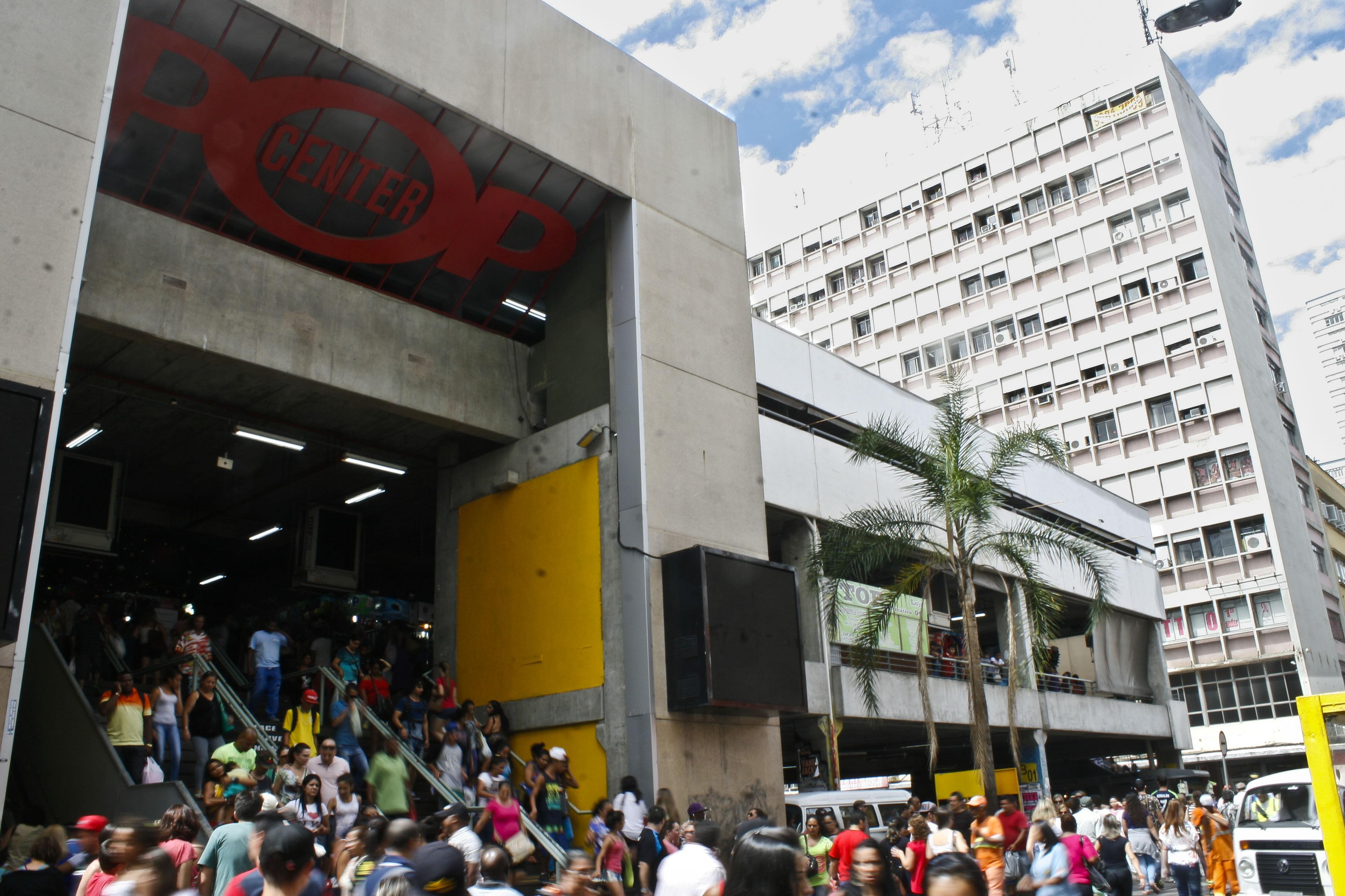 Centro Popular de Compras tem 86 vagas para lojas em Porto Alegre