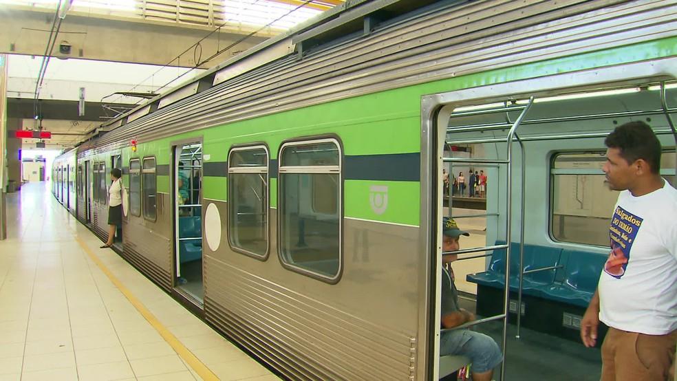 Linha Sul do Metrô do Recife voltou a funcionar após mais de quatro horas paralisada, nesta quinta-feira (22) — Foto: Reprodução/TV Globo