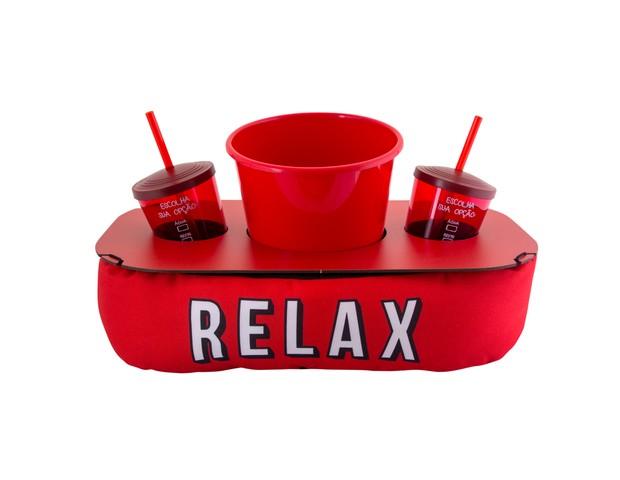 Almofada de Pipoca Relax | Com bandeja de madeira com espaço para acomodar balde de pipocas e 2 copos, que vêm incluídos no kit | Da Uatt, R$129,00 (Foto: Divulgação)
