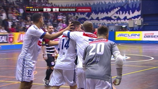 AABB vira para cima do Corinthians e sai na frente na semifinal da Liga Paulista