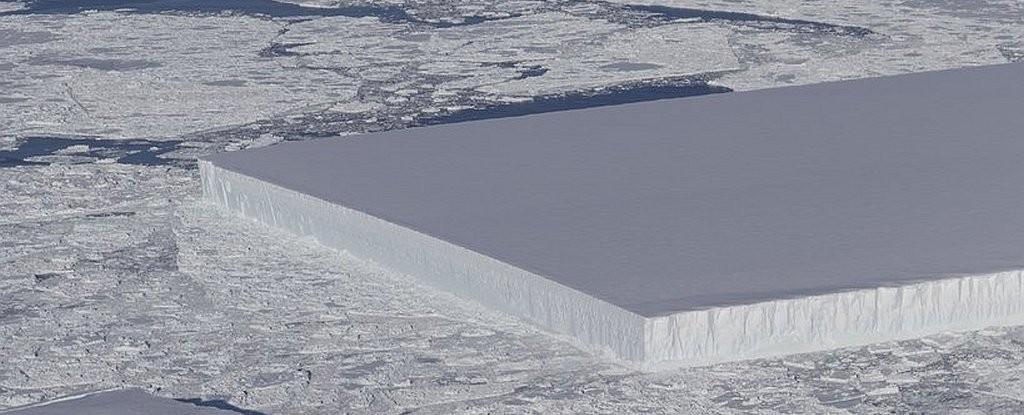 Iceberg retangular visto na Antártida (Foto: Divulgação)
