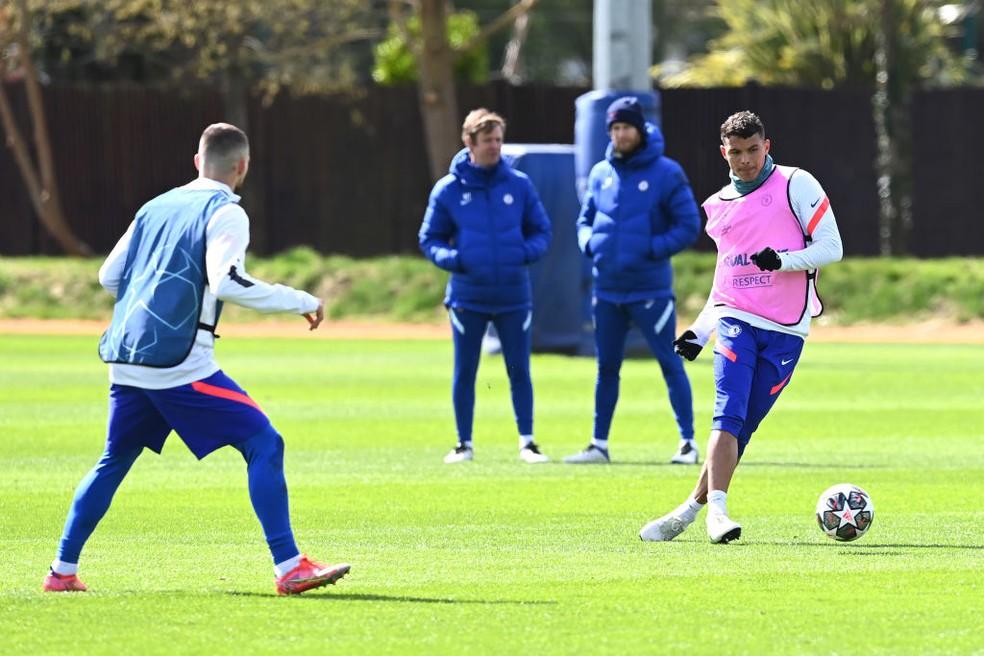 Thiago Silva em treino do Chelsea — Foto: Getty Images