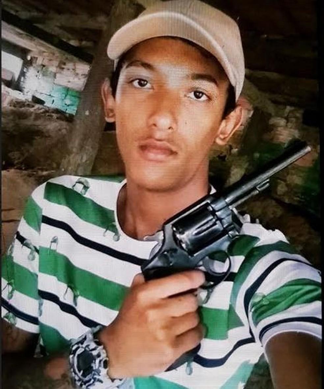 Felipe Martins já estava sendo procurado pela polícia por vários crimes (Foto: Divulgação/Polícia Civil)