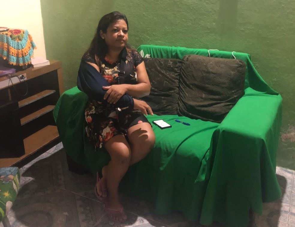 Irmã de Ana Paula, Sandra Maria Martins Pernambuco também foi vítima do atropelamento e ficou ferida após a colisão.  — Foto: Maristela Gláucia/SVM