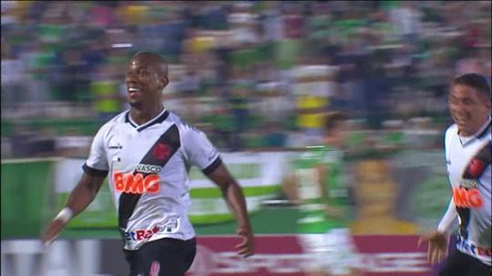 """Após ressurgir no Vasco, Ribamar fala do apoio de Ramon Menezes e diz: """"Nunca fiquei desmotivado"""""""