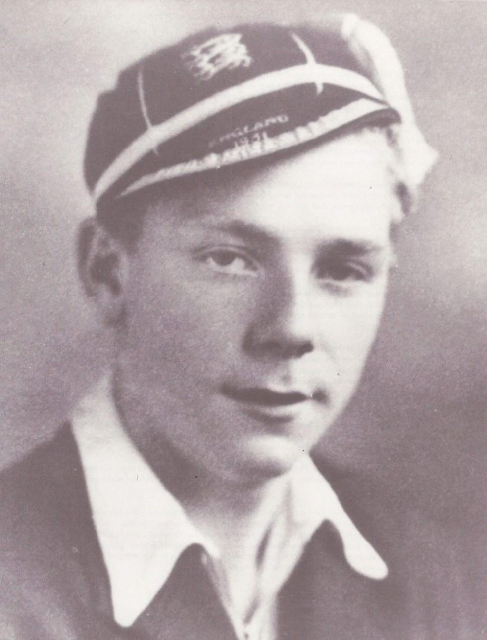 Duncan Edwards destacou-se muito jovem e teve que escolher entre futebol e dança (Foto: Divulgação)