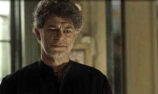 Na segunda-feira (18), Murilo (Eduardo Moscovis) contará tudo sobre a Irmandade para Sóstenes (Marcos Caruso) e Luz (Marina Ruy Barbosa), e afirmará que Gabriel (Bruno Gagliasso), como guardião-mór, precisa viver em isolamento. | TV Globo
