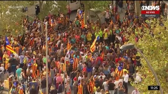 Protestos bloqueiam estradas e ruas em Barcelona