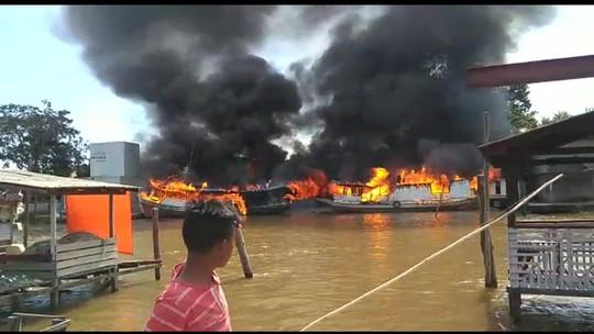 Barco explode em porto no Amapá e fogo atinge outras seis embarcações