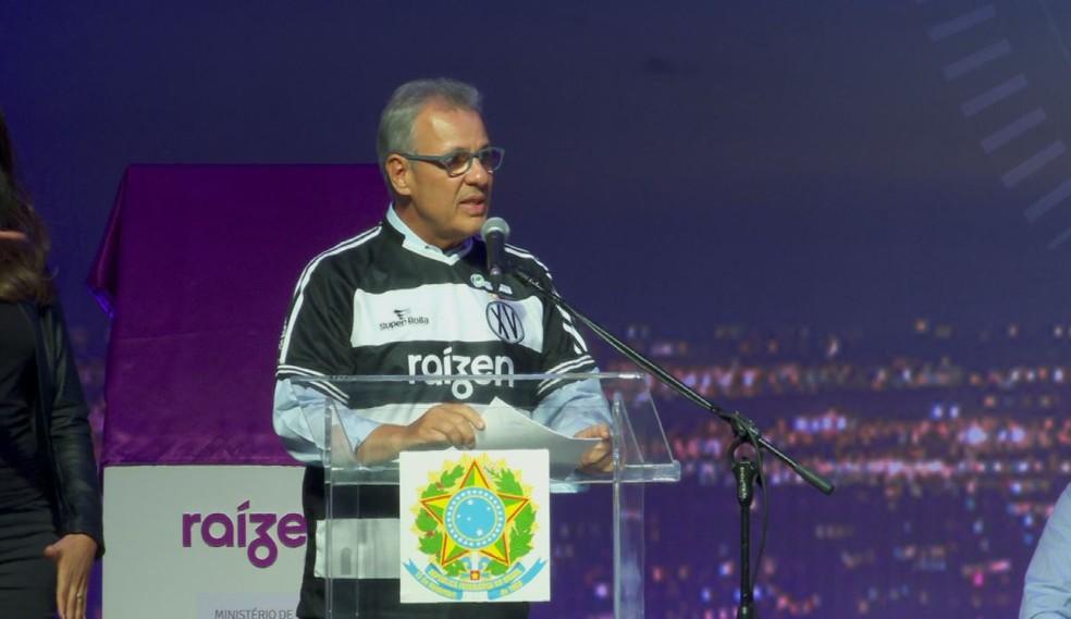 Bento Albuquerque, ministro de Minas e Energia, durante visita a Guariba (SP) — Foto: Chico Escolano / EPTV