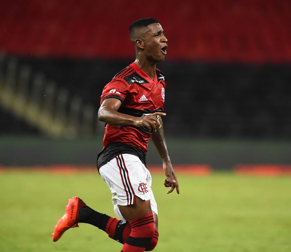 Gol de Max no Maracanã - Flamengo x Nova Iguaçu, Campeonato Carioca — Foto: André Durão
